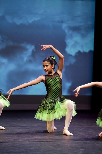 Mixed-Nuts-Viona-Ballet-3